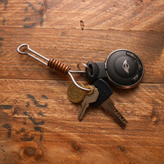 JEFF DECKER 的 BRASS KEY CHAIN