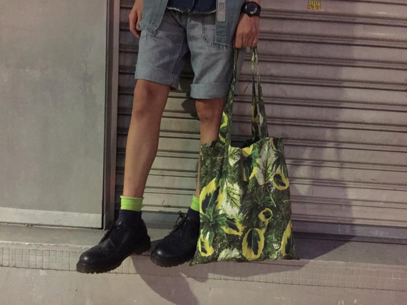 THE LIL EXPLORER BAG 的 包