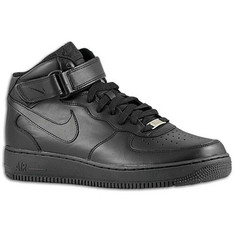 NIKE 的 AIR FORCE 1 MID