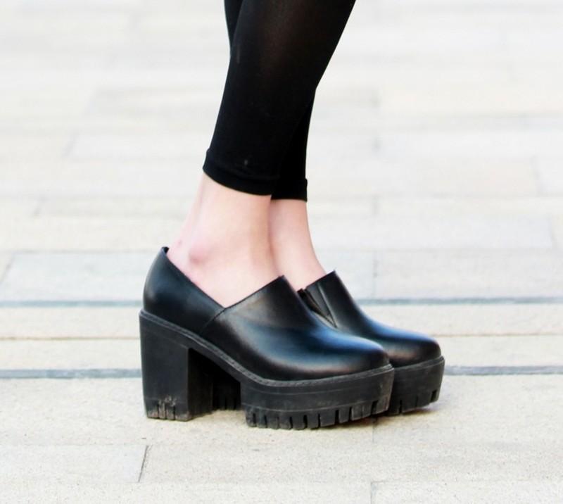 無品牌 的 粗跟踝靴