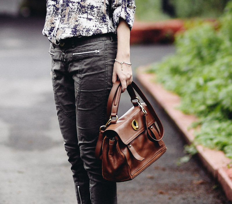 SAINT LAURENT  的 SMALL MUSE TWO
