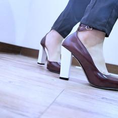 MARJORIE 的 尖頭粗跟鞋