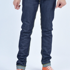 SOSO SLIM DARRYL RED LINE SELVEDGE 的 JEANS