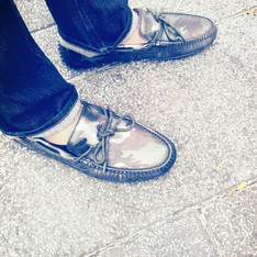 COLE HAAN 的 LOAFER
