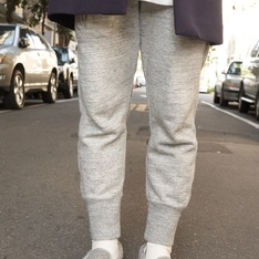 UNIQLO 的 SWEAT PANTS