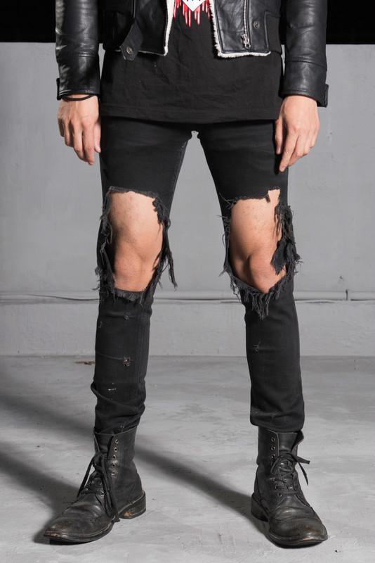 自己DIY 的 極度破壞牛仔褲