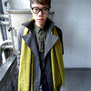 URBAN OUTFITTERS 的 TRENCH COAT