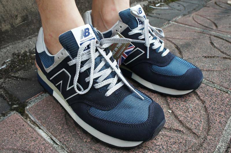 NEW BALANCE 的 NB慢跑鞋