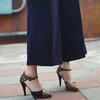 DRESS CODE 的 斑比印花簍空高跟鞋