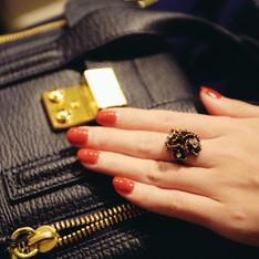 COR-DATE 的 康乃馨戒指