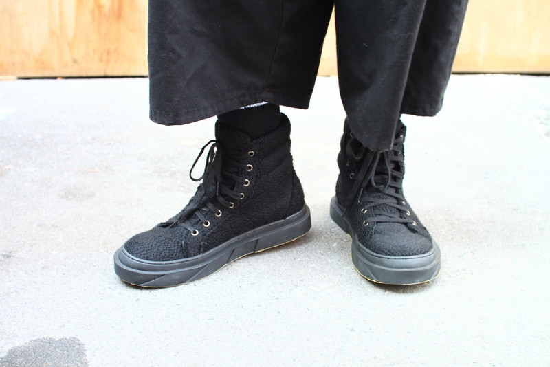D BY D 的 SNEAKERS