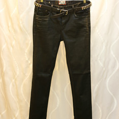 瘦腿的法寶~上漆質感黑牛仔褲  的 牛仔褲