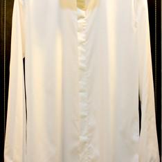 秋冬百搭款式~高質感隱藏扣子時尚防皺薄短領白襯衫 的 襯衫