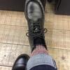 DR.MARTENS黑色8孔靴