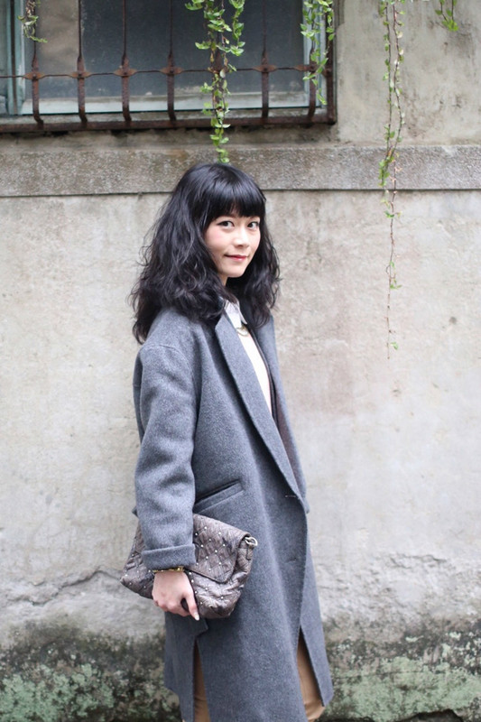 DRESS CODE 的 灰色繭型大衣