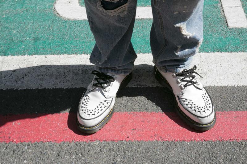 DR. MARTENS 的 龐克編織厚底鞋