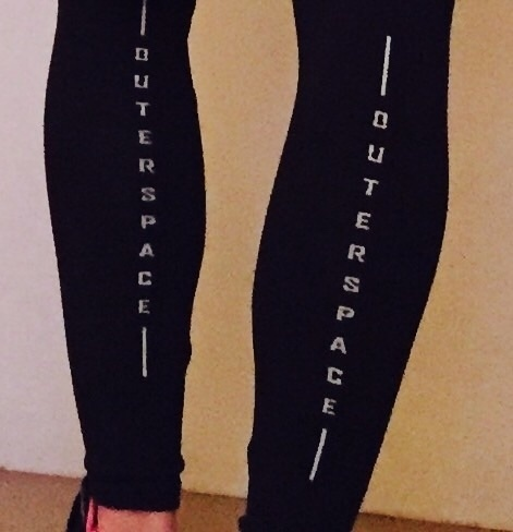 OUTER SPACE 的 LEGGING