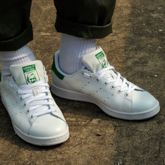 ADIDAS ORIGINAL STAN SMITH 的 白色運動鞋