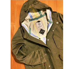 VISVIM 的 GORETEX JACKET