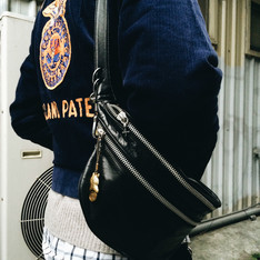 EYES FUNNY 的 LEATHER FUNNY BAG