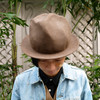 CA4LA 的 MOUNTAIN HAT