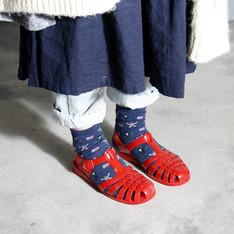 JUJU 的 平底膠鞋