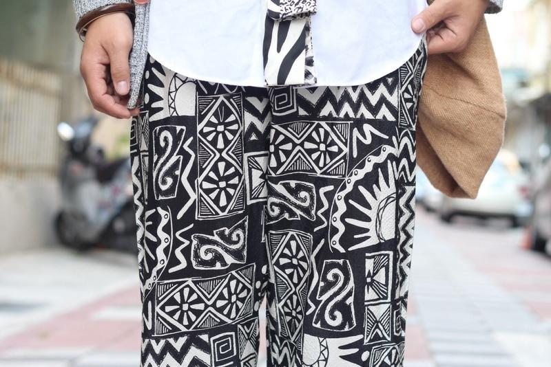 VINTAGE 的 圖紋棉麻長褲