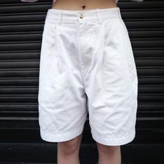 FLOWER WHISPERING 的 白色短褲