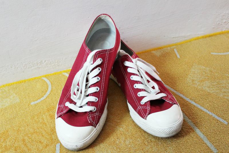 MUJI 無印良品 的 帆布鞋