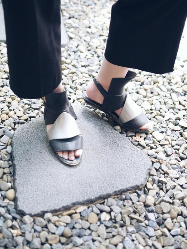 MELISSA+GARETH PUGH 的 涼鞋