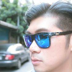 SPEKTRE 的 藍迷彩水銀鏡面太陽眼鏡