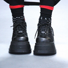 DEMONIA 的 厚底鞋