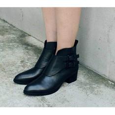 NO216 的 真皮黑色短靴