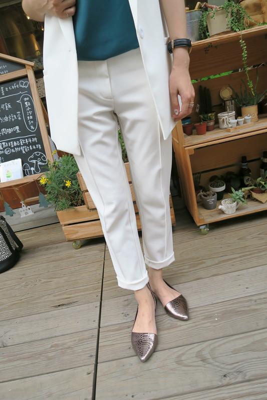 DRESSCODETW.COM 的 硬挺棉料白色西裝褲