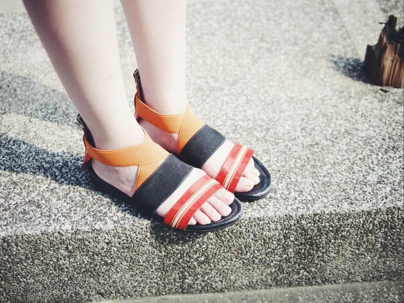 無品牌 的 涼鞋