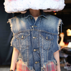 DOUBLE VEST WITH PLAID 的 牛仔背心