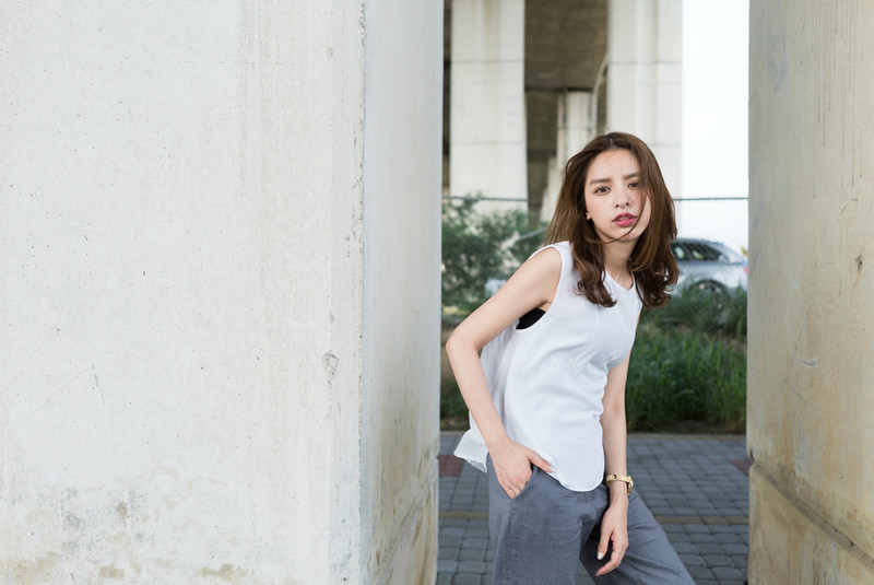 LOOSE  的 SOPHISTICATED SILK BLOUSE