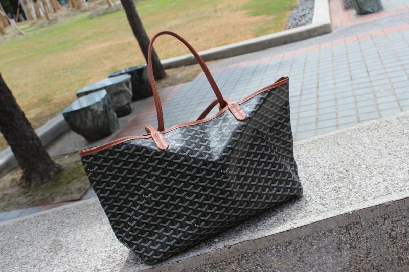 GOYARD 的 包包
