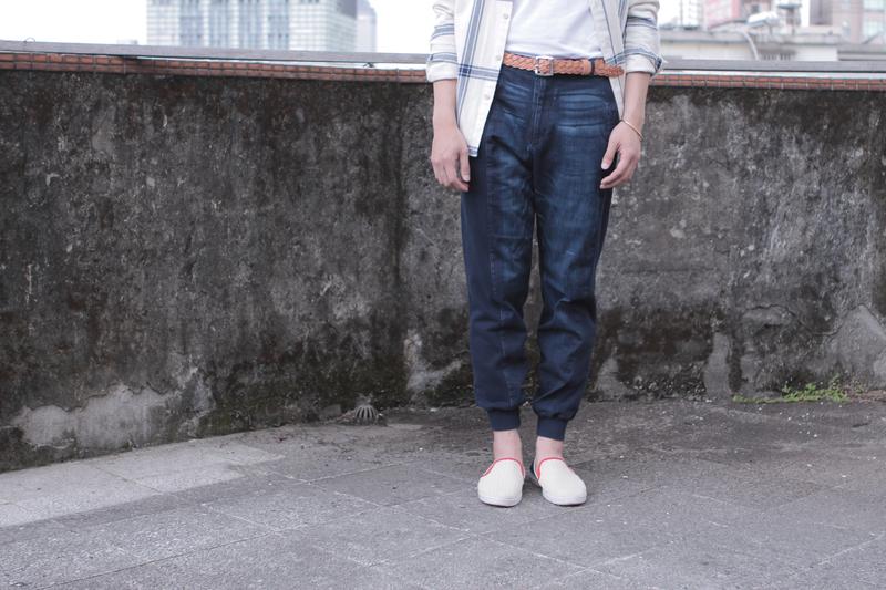 DESACCORD 的 縮口褲