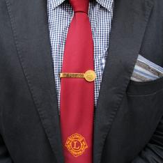 爺爺的 的 紅領帶