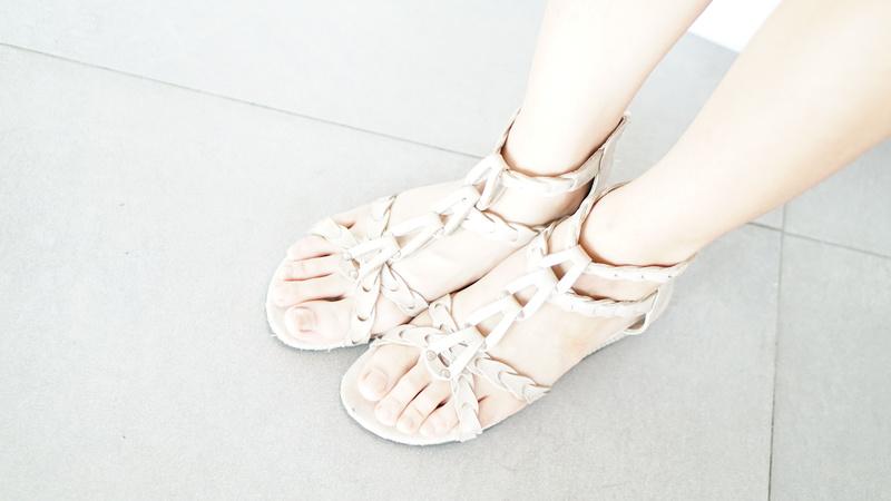 EUZZA 的 羅馬平底鞋