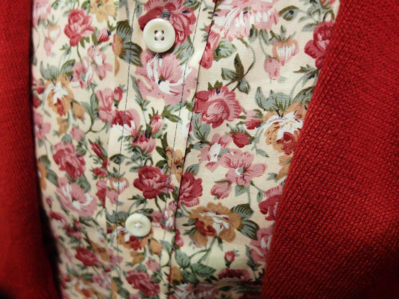OASIS服飾 的 滿版花襯衫