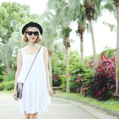 QUEEN SHOP 的 白色背心洋裝