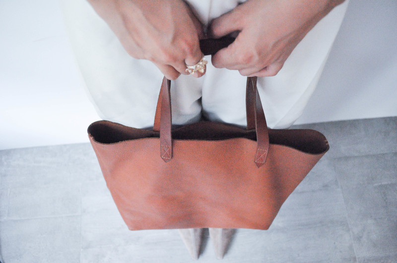 MADEWELL 的 LEATHER TOTE