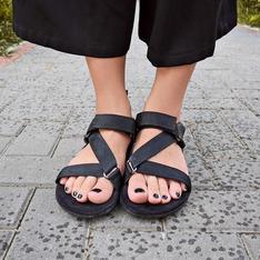 時尚單品:涼鞋
