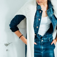 H&M 的 白色針織毛衣