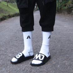 ADER ERROR 的 襪子
