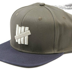UNDEFEATED 的 5 STRIKE SNAPBACK BALL CAP