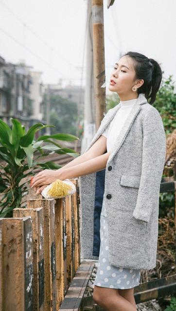 HU A NG 的 雪花灰大衣