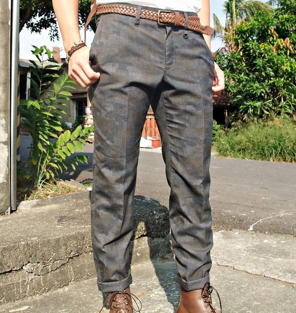 BG 的 迷彩西裝褲